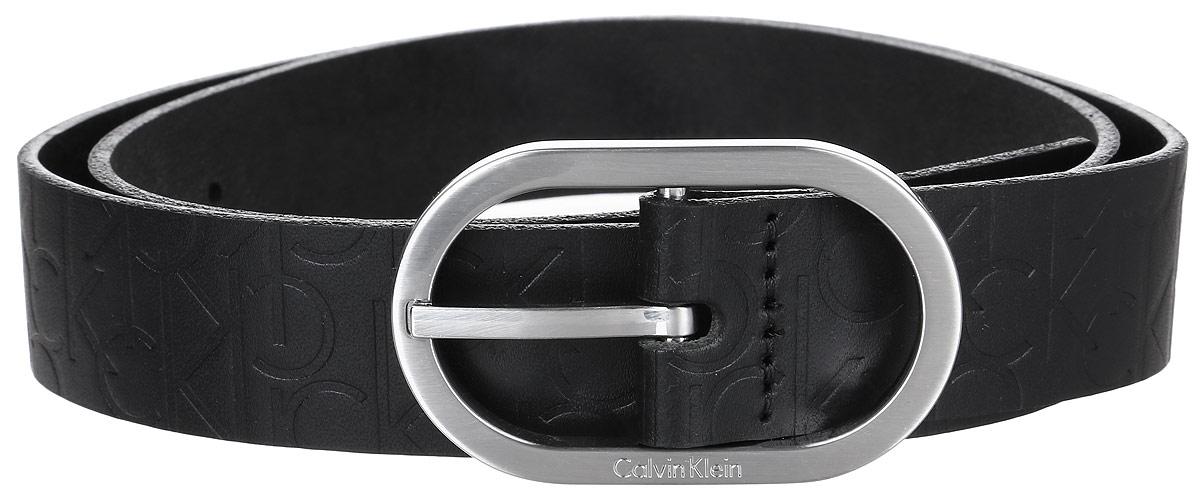 РеменьK60K602239_001Женский ремень Calvin Klein выполнен из 100% натуральной кожи. Овальная пряжка выполнена из металла, она позволит легко и быстро зафиксировать ремень и отрегулировать его длину. Уважаемые клиенты! Обращаем ваше внимание на тот факт, что размер ремня, доступный для заказа, является его длиной.