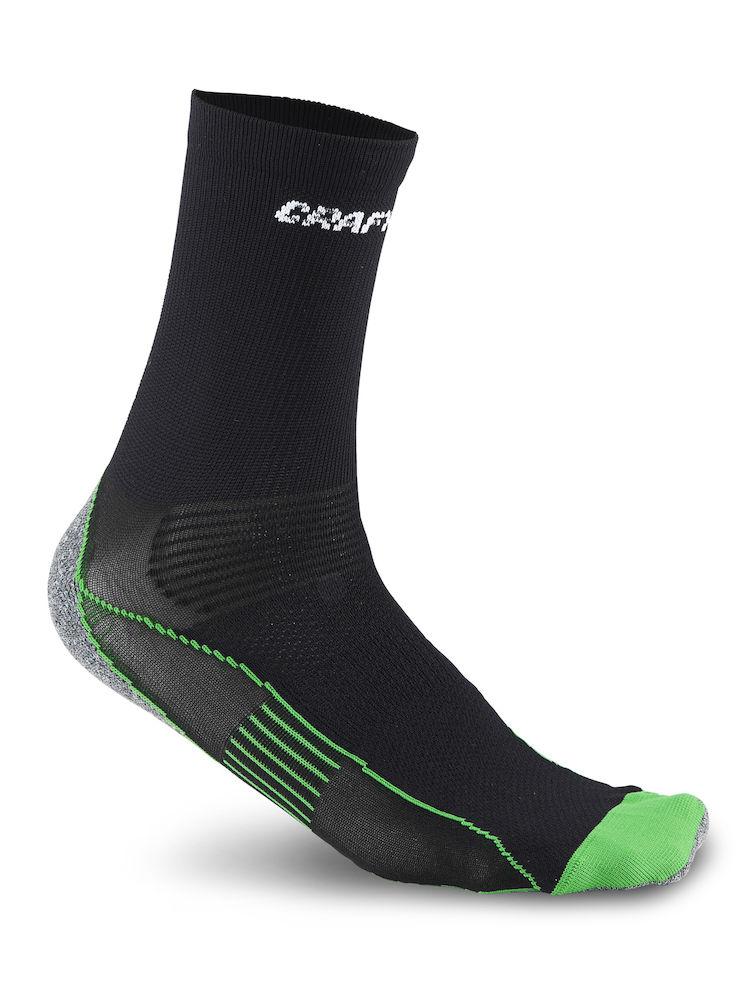 Термоноски1900734Носки средней высоты для бега и других видов спорта. Расположение всех каналов плетения вертикальное, что позволяет быстро транспортировать влагу и нагретый воздух вверх. Полностью бесшовное плетение исключает какие-либо потертости и мозоли, но при правильном подборе размера. Мягкая манжета и поперечная резинка на стопе препятствуют сползанию и скручиванию в обуви. Носок полностью закрывает ахиллово сухожилие и доходит примерно до середины камбаловидной мышцы. Строение носка учитывает специфику движения бегуна. Многоканальная структура волокон для циркуляции нагретого воздуха и охлаждающего эффекта. Особая уплотненная конструкция в точках повышенного давления стопы. Широкая эластичная манжета вокруг стопы поддерживает носок на месте. Уникальный дизайн для правой и левой стопы. Полиамид в средней части стопы для максимальной транспортировки влаги.