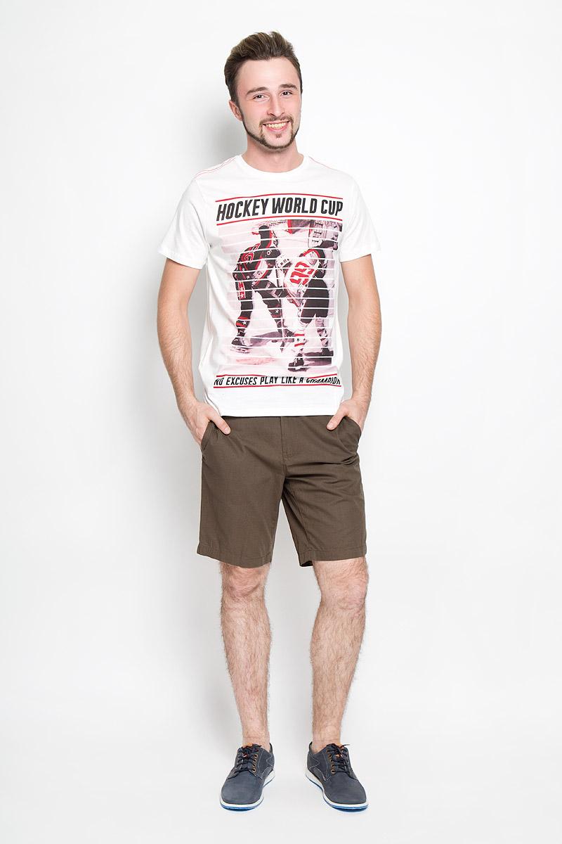 ФутболкаTs-211/1091-6444Мужская футболка Sela с короткими рукавами и круглым вырезом горловины выполнена из натурального хлопка. Футболка украшена крупным принтом с изображением хоккеистов.