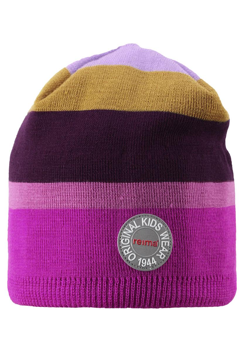 Шапка детская Reima Nebula, цвет: розовый, фиолетовый. 528483-4620B. Размер 50528483-4620BВеликолепная шапочка-бини, связанная из смеси шерсти, согреет малышей и ребят постарше в осенние деньки. Ветронепроницаемая подкладка из ламинированного флиса создает красивый контраст и обеспечивает дополнительную защиту. Великолепный выбор для подвижных детей! Мы рекомендуем носить эту шапку с нашими куртками и комбинезонами в стиле Retro или Anniversary.