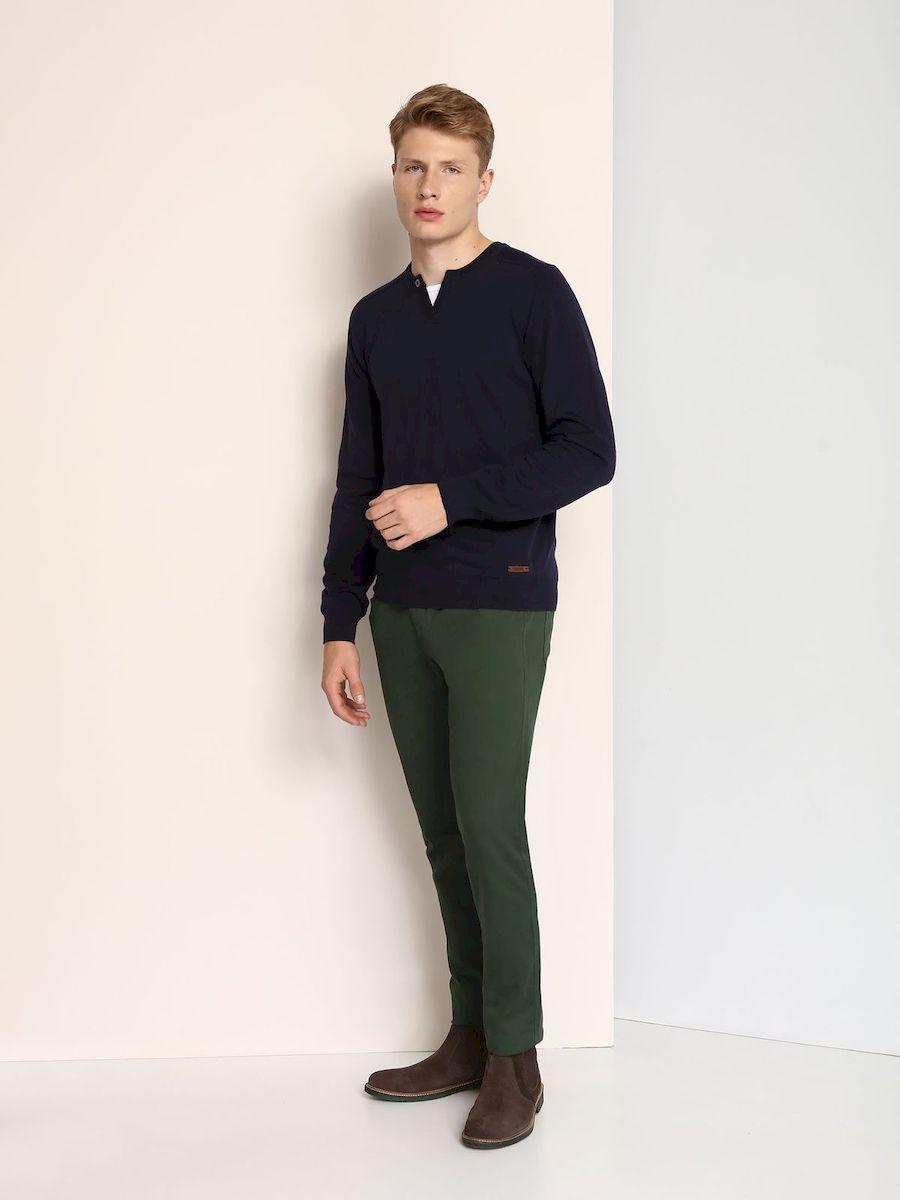 Джинсы мужские Top Secret, цвет: темно-зеленый. SSP2355ZI. Размер 31-32 (46/48-32)SSP2355ZIСтильные мужские джинсы Top Secret изготовлены из натурального хлопка.Джинсы-слим средней посадки застегиваются на пуговицу в поясе и ширинку на застежке-молнии. На поясе имеются шлевки для ремня. Спереди модель дополнена двумя втачными карманами и одним небольшим накладным кармашком, а сзади - двумя накладными карманами.