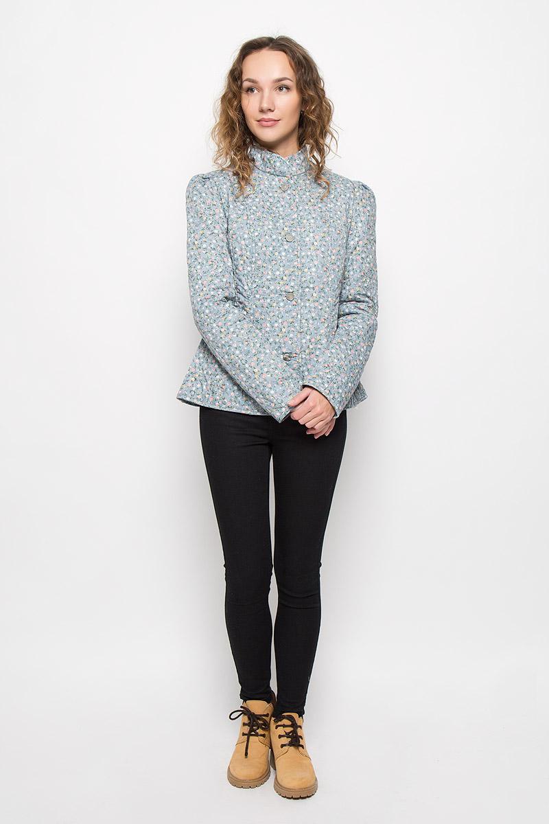 Куртка020516-0022Стильная женская куртка Holty Зипун, изготовленная из натурального хлопка, оформлена цветочным принтом. В качестве наполнителя используется полиэстер и хлопок. Куртка приталенного кроя с воротником-стойкой застегивается на пуговицы.