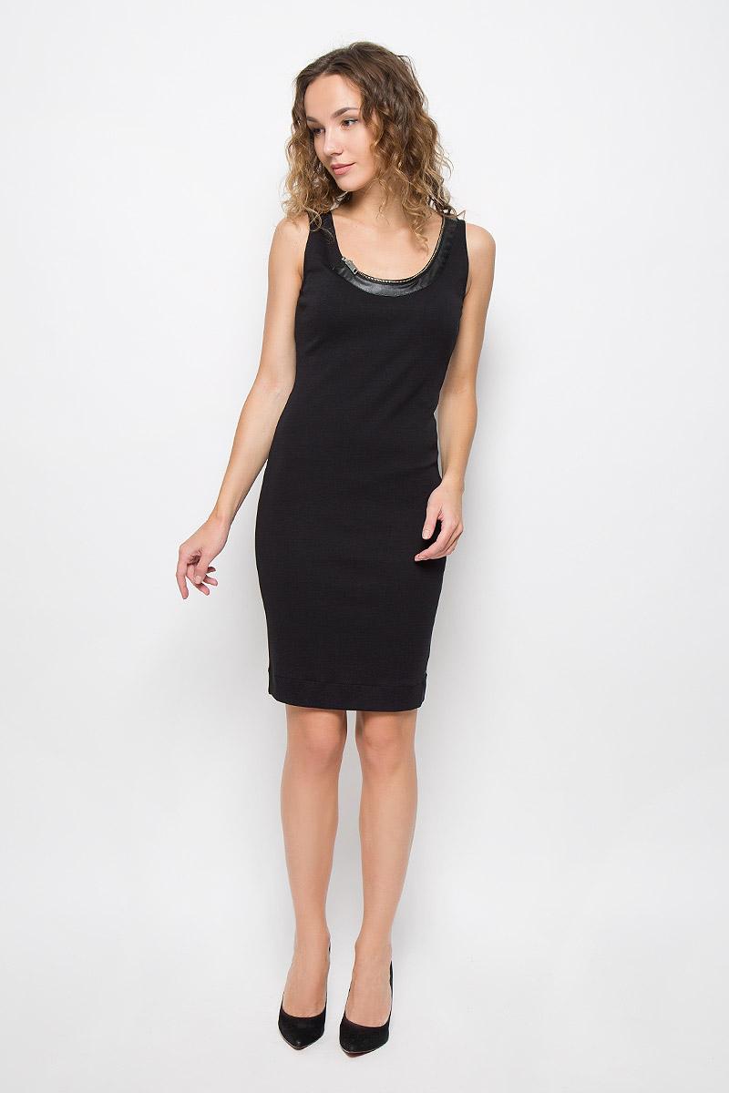 Платье Diesel, цвет: черный. 00SS9M-0QAIN/900. Размер L (50)00SS9M-0QAIN/900Стильное платье выполнено из высококачественного хлопка. Модель с круглым вырезом горловины и без рукавов. Горловина оформлена декоративной молнией.