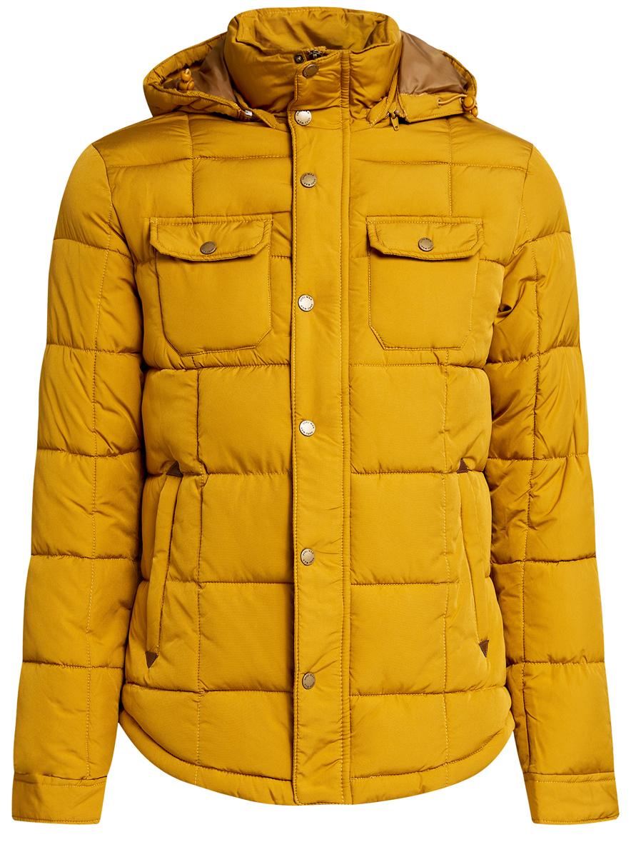 Куртка1L112012M/39988N/7900NМужская куртка oodji выполнена из полиэстера с добавлением полиамида. В качестве подкладки и утеплителя используется полиэстер. Модель с воротником-стойкой и съемным капюшоном застегивается на застежку-молнию и имеет ветрозащитную планку на кнопках. Капюшон дополнен эластичным шнурком-кулиской и пристегивается к изделию за счет застежки-молнии. Низ рукавов обработан манжетами на кнопках. Спереди расположено два прорезных кармана на застежках-молниях и два накладных кармана с клапанами на кнопках, а с внутренней стороны - прорезной карман на застежке-молнии.