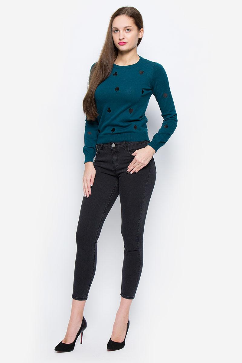 Джинсы женские Glamorous, цвет: графитовый. JL5249. Размер M (46)JL5249_Black WashСтильные женские джинсы Glamorous выполнены из хлопка с добавлением полиэстера и эластана. Материал мягкий и приятный на ощупь, не сковывает движения и позволяет коже дышать.Джинсы-скинни со стандартной посадкой застегиваются на пуговицу в поясе и ширинку на застежке-молнии. На поясе предусмотрены шлевки для ремня. Джинсы имеют классический пятикарманный крой: спереди модель оформлена двумя втачными карманами и одним маленьким накладным кармашком, а сзади - двумя накладными карманами. Модель оформлена легким эффектом потертости.