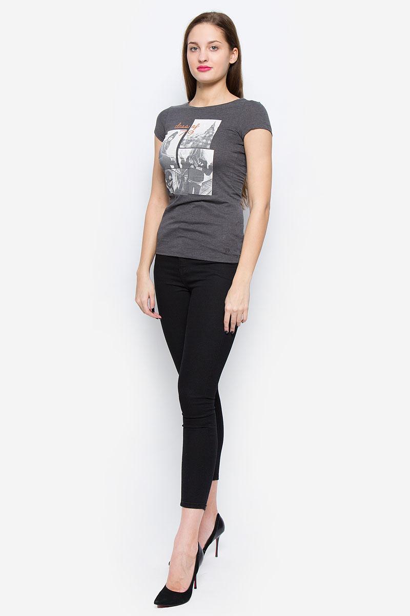 Футболка1036082.00.71_2623Стильная женская футболка Tom Tailor Denim изготовлена из хлопка с добавлением полиэстера. Модель с круглым вырезом горловины и короткими рукавами спереди оформлена оригинальным принтом.