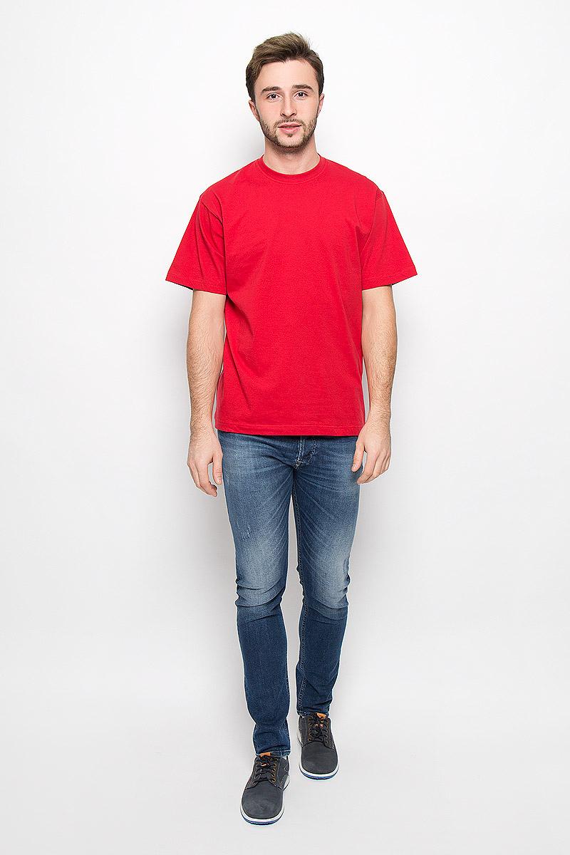 ФутболкаFR-001Мужская однотонная футболка Frutto Rosso выполнена из натурального хлопка. Горловина дополнена трикотажной резинкой.