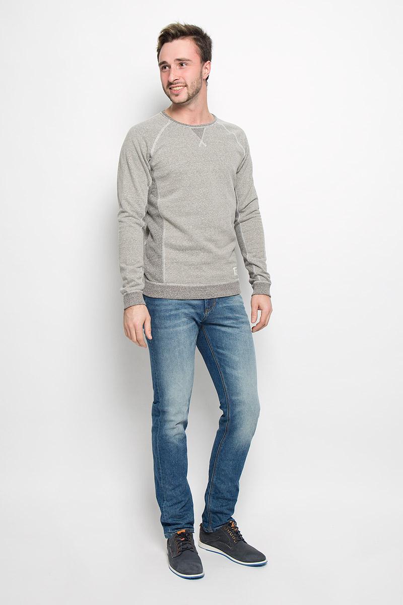 Свитшот2530554.00.12_2801Стильный мужской свитшот Tom Tailor Denim, изготовленный из хлопка с добавлением полиэстера и вискозы, мягкий и приятный на ощупь, не сковывает движений и обеспечивает наибольший комфорт. Модель с круглым вырезом горловины и длинными рукавами-реглан выполнена в лаконичном стиле. Манжеты рукавов и низ изделия дополнены трикотажными резинками. Модель с внутренней стороны имеет мягкий начес.