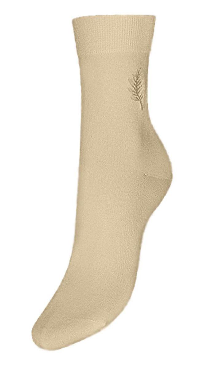 Носки женские Гранд, цвет: бежевый, 2 пары. SCL46. Размер 23/25SCL46Женские носки Гранд выполнены из высококачественного хлопка, предназначены для повседневной носки. Носки с бесшовной технологией зашивки мыска (кеттельный шов), оформленные на паголенке текстурным рисунком листочек, изготовлены по европейским стандартам из самой лучшей гребенной пряжи, хорошо держат форму и обладают повышенной воздухопроницаемостью, имеют безупречный внешний вид, усиленные пятку и мысок для повышенной износостойкости, после стирки не меняют цвет. Благодаря свойствам эластана, не теряют первоначальный вид. Носки долгое время сохраняют форму и цвет, а так же обладают антибактериальными и терморегулирующими свойствами.