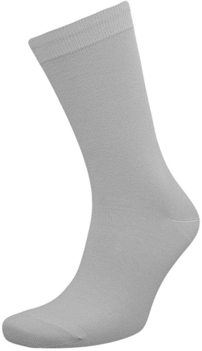 Комплект носковZCL98Мужские носки Гранд выполнены из хлопка, для повседневной носки. Основа материала - высококачественный хлопок. Носки хорошо держат форму и обладают повышенной воздухопроницаемостью, не линяют после многочисленных стирок, имеют кеттельный шов, мягкую анатомическую резинку. Носки произведены по европейским стандартам на современных вязальных автоматах.