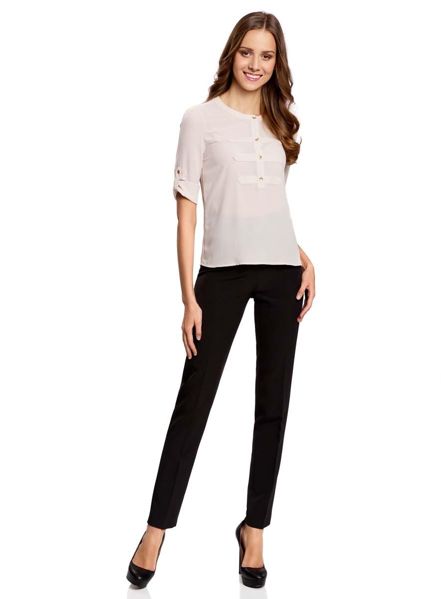 Брюки11702064N/42943/2900NКлассические женские брюки oodji Ultra прямого кроя и стандартной посадки изготовлены из эластичного полиэстера. Брюки застегиваются на ширинку на застежке-молнии, пуговицу и крючки на поясе. Изделие оформлено имитацией карманов сзади.