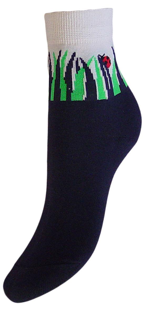 Комплект носковYCL33Детские носки выполнены из высококачественного хлопка. Носки с текстурным рисунком на паголенке божья коровка сидит на травке хорошо держат форму и обладают повышенной воздухопроницаемостью, имеют безупречный внешний вид, после стирки не меняют цвет, усилены пятка и мысок для повышенной износостойкости. Носки долгое время сохраняют форму и цвет, а так же обладают антибактериальными и терморегулирующими свойствами.