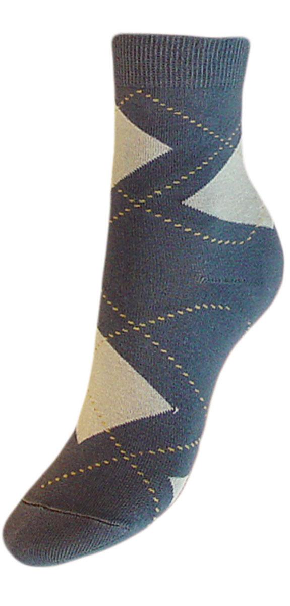 Комплект носковYCL50Детские носки выполнены из высококачественного хлопка. Носки оформлены рисунком ромбы по всему носку, имеют классический паголенок и безупречный внешний вид, хорошо держат форму и обладают повышенной воздухопроницаемостью, после стирки не меняют цвет, усилены пятка и мысок. За счет добавления лайкры в пряжу, повышена эластичность и срок службы изделия. Носки долгое время сохраняют форму и цвет, а так же обладают антибактериальными и терморегулирующими свойствами.