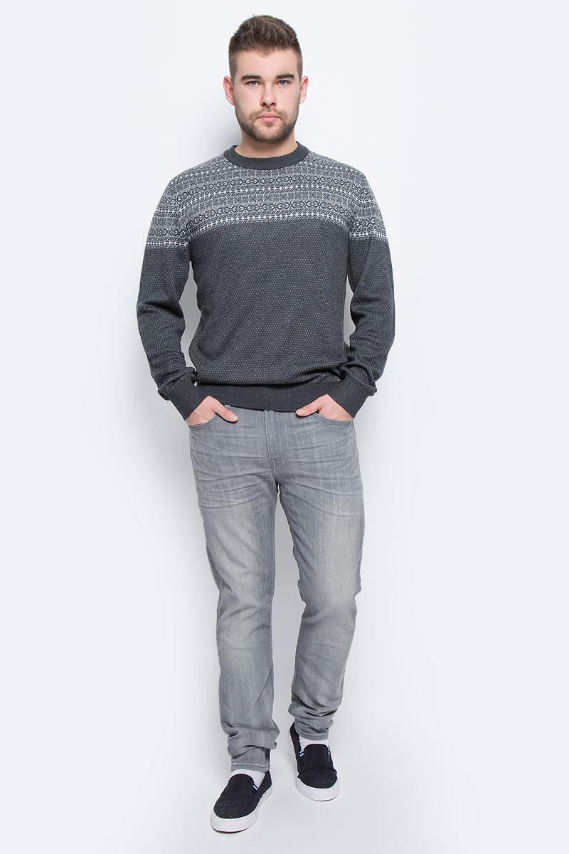 Джинсы мужские Lee, цвет: серый джинс. L732YBFR. Размер 31-32 (46/48-32)L732YBFRСтильные мужские джинсы Lee высочайшего качества, которые прекрасно сидят. Модель прямого кроя и средней посадки изготовлена из натурального хлопка, не сковывает движения и дарит комфорт. На поясе джинсы застегиваются на металлическую пуговицу и имеют ширинку на пуговицах. Спереди модель дополнена двумя втачными карманами и одним накладным секретным кармашком, а сзади - двумя накладными карманами. Изделие оформлено перманентными складками.В таких джинсах вы всегда будете чувствовать себя уверенно и комфортно.