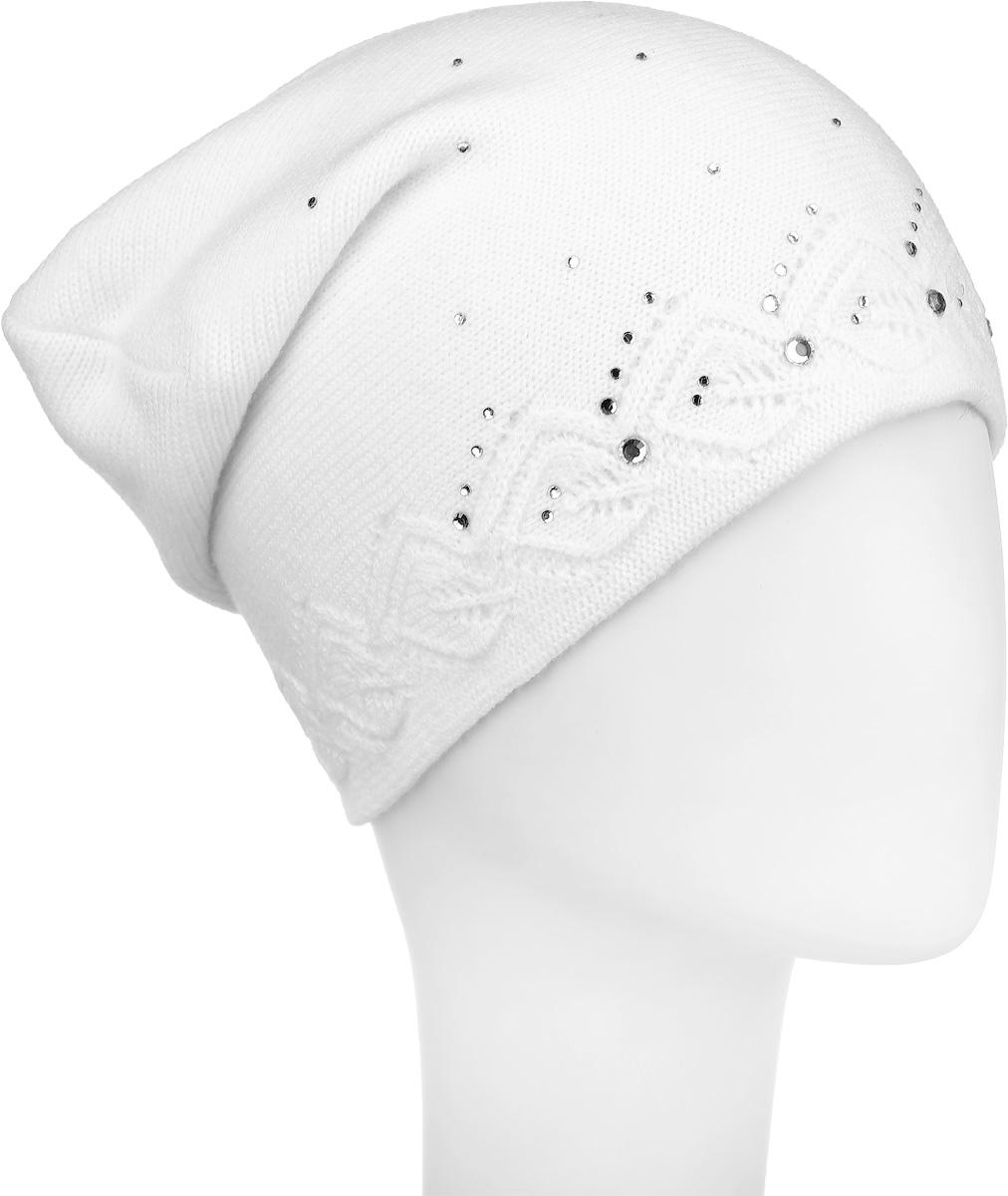 Шапка женская Finn Flare, цвет: белый. W16-11126_201. Размер 56W16-11126_201Женская шапка Finn Flare, выполненная из акрила и шерсти, отлично дополнит ваш образ в холодную погоду. Модель по низу связана оригинальным узором. Декорировано изделие стразами и фирменной металлической нашивкой. Шапка составит идеальный комплект с модной верхней одеждой и подарит вам уют и тепло.Уважаемые клиенты!Размер, доступный для заказа, является обхватом головы.