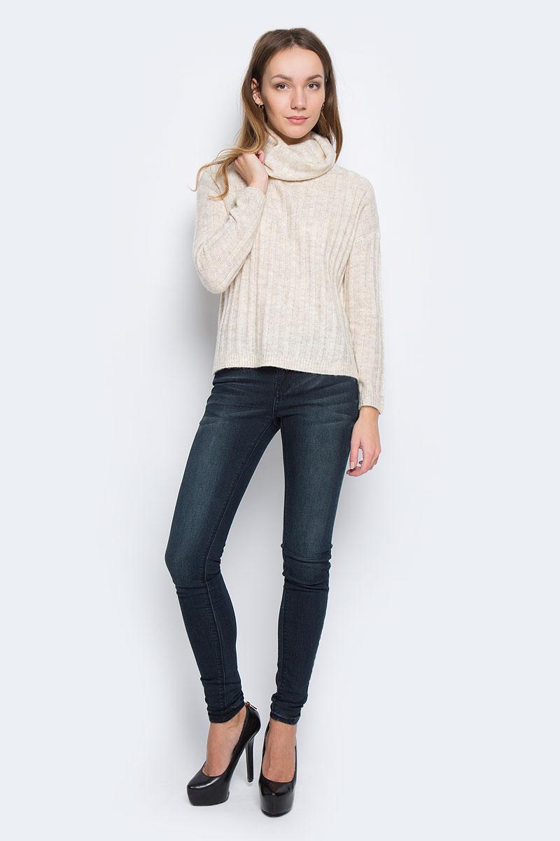 Свитер10156935_703Стильный женский свитер, выполненный из качественной комбинированной пряжи, отлично дополнит ваш образ и согреет в холодную погоду. Модель с воротником-гольф и длинными рукавами по бокам дополнена небольшими разрезами.