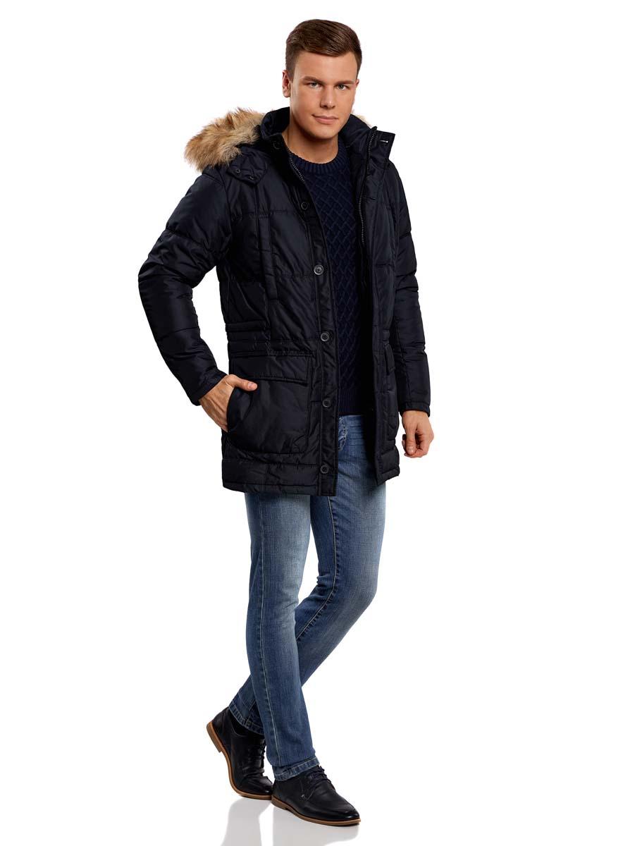 Куртка1L414002M/44480N/7900NСтильная мужская куртка oodji Lab изготовлена из высококачественного полиэстера. В качестве утеплителя используется полиэстер. Модель со съемным капюшоном, оформленным искусственным мехом, застегивается на застежку-молнию и дополнительно на двойной клапан с пуговицами. Капюшон, пристегивающийся с помощью пуговиц, регулируется с помощью шнурка и ремешка, и дополнен застежками-кнопками. Спереди расположены четыре накладных кармана, два из которых с клапанами на кнопках, на груди - два прорезных кармана на кнопках, с внутренней стороны - прорезной карман на застежке-молнии. С внутренней стороны, на талии модель регулируется с помощью шнурка.