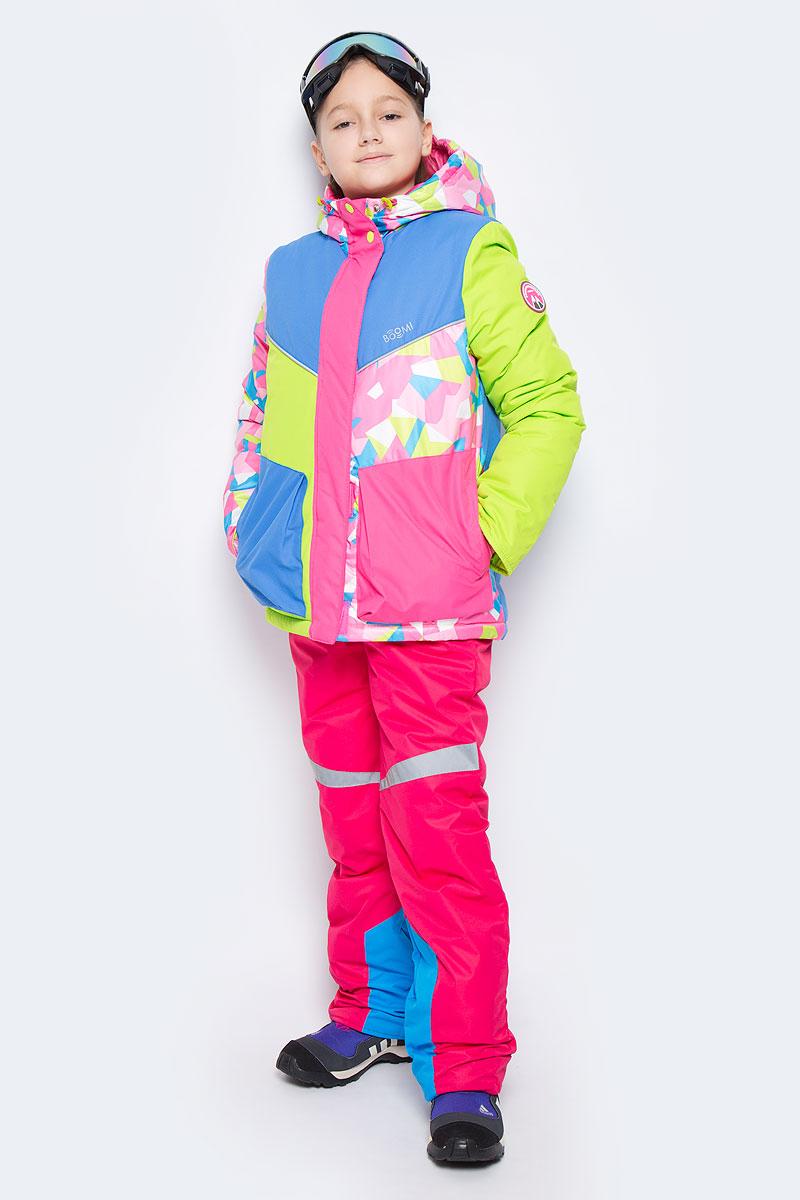Комплект для девочки Boom!: куртка, полукомбинезон, очки горнолыжные, цвет: фуксия, голубой, салатовый. 64345_BOG_вар.1. Размер 110, 5-6 лет64345_BOG_вар.1Комплект одежды для девочки Boom! состоит из куртки, полукомбинезона и горнолыжных очков. Куртка изготовлена из высококачественного полиэстера. Подкладка выполнена из полиэстера с добавлением вискозы. В качестве наполнителя используется инновационный утеплитель Flexy Fiber, который надежно сохраняет тепло, обеспечивает циркуляцию воздуха и не задерживает влагу.Куртка с несъемным капюшоном застегивается на застежку-молнию и дополнительно на ветрозащитный клапан с кнопками и липучками. Капюшон дополнен затягивающимся шнурком с металлическими стопперами и хлястиками с липучками. Низ рукавов с внутренней стороны дополнен эластичными напульсниками с отверстиями для больших пальцев, которые предотвращают проникновение снега и ветра. Спереди модель дополнена двумя накладными карманами на кнопках. Нижняя часть куртки регулируется с помощью эластичного шнурка.Полукомбинезон, выполненный из высококачественного полиэстера с подкладкой из полиэстера и вискозы, застегивается на молнию. Модель дополнена съемными эластичными наплечными лямками, регулируемыми по длине. Лямки крепятся с помощью застежек-липучек. По бокам находятся два прорезных кармана. Снизу брючин предусмотрены внутренние манжеты с прорезиненными полосками, препятствующие попаданию снега и холодного воздуха. На талии расположена вшитая эластичная резинка. Светоотражающие элементы увеличивают безопасность вашего ребенка в темное время суток. Горнолыжные очки, выполненные из пластика и ПВХ, защитят глаза вашей девочки от солнечных лучей и бликов. Регулирующая эластичная резинка обеспечит идеальную фиксацию очков на голове.