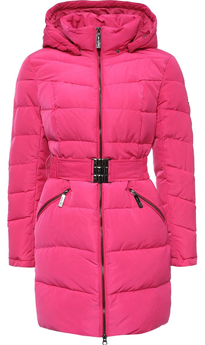 ПальтоW16-12017_334Стильное женское пальто Finn Flare изготовлено из высококачественного полиэстера. В качестве утеплителя используется пух с добавлением пера. Модель с воротником-стойкой и съемным капюшоном застегивается на застежку-молнию. Капюшон, дополненный регулирующим эластичным шнурком, пристегивается к пальто с помощью кнопок. Спереди расположены два прорезных кармана на застежках-молниях. На талии модель дополнена эластичным поясом с металлической пряжкой.