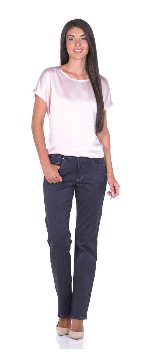 Джинсы женские Montana, цвет: серый. 10773. Размер 26-32 (44-32)10773_RWСтильные женские джинсы Montana - отличная модель на каждый день, которая прекрасно вам подойдет.Изделие изготовлено из хлопка с добавлением полиэстера и спандекса. Джинсы-прямого кроя на талии застегиваются на металлическую пуговицу, также имеются ширинка на застежке-молнии и шлевки для ремня. Спереди модель дополнена двумя втачными карманами и одним маленьким накладным кармашком, а сзади - двумя накладными карманами. Модель оформлена контрастной прострочкой.