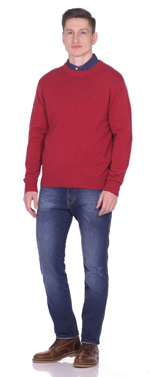 Пуловер мужской Montana, цвет: темно-красный. 26095. Размер XL (52)26095_RedТеплый мужской пуловер выполнен из 100% овечьей шерсти. Модель с длинным рукавом и круглым вырезом горловины спереди оформлен небольшой вышивкой с логотипом бренда. Низ, горловина и манжеты пуловера выполнены извязанной манжетной резинки.
