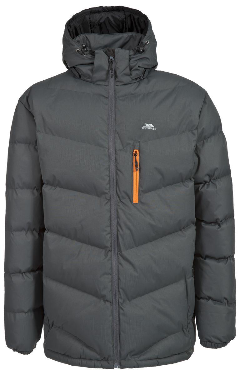 КурткаMAJKCAK20004Мужская куртка Trespass Blustery выполнена из 100% полиэстера и застегивается на застежку-молнию. Утеплитель ColdHeat 360 г/м2 (синтетический, микроволоконный с функцией быстрого отвода влаги и высоким уровнем теплозащиты и износостойкости). Каждый простроченный шов от иглы оставляет сотни отверстий, через которые влага может проникать внутрь куртки. Применение технологии Taped Seams - обработка швов термо-пластичесткой лентой под высоким давлением - запечатывает швы, тем самым препятствуя проникновению влаги внутрь куртки, дополнительно обеспечивая вашему телу сухость и комфорт. Материал верха защищает от влаги (влагозащита - 5 000мм) и имеет дополнительное усиление от разрыва. Утепленный регулируемый капюшон. Прекрасно подойдет как для города, так и для отдыха на природе.
