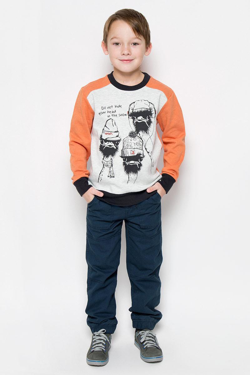 Свитшот для мальчика Sela, цвет: оранжевый, серый. St-813/152-6415. Размер 140, 10 летSt-813/152-6415Свитшот для мальчика Sela с длинными рукавами-реглан и круглым вырезом горловины выполнен из хлопка с добавлением полиэстера. Лицевая сторона изделия гладкая, внутренняя имеет мягкую флисовую отделку. Изделие оформлено принтом с изображением двух страусов в шапочках и надписью Do Not Hide Your Head in the Snow. Рукава, низ и горловина свитшота дополнены эластичными манжетами.