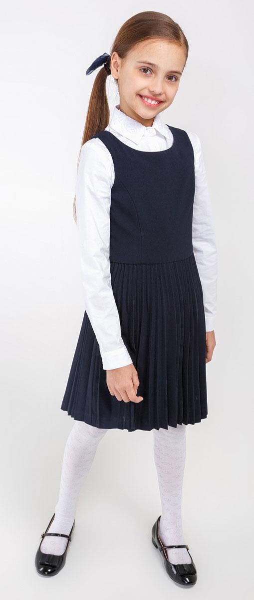 Сарафан20210200082_600Замечательный сарафан выглядит стильно и выразительно. Элегантный силуэт, юбка в складку, круглый вырез горловины наилучшим образом поддерживают деловой имидж ученицы. Модель сбоку застегивается на потайную застежку-молнию. И с блузкой, и с водолазкой, и с поло, сарафан составит красивый комфортный комплект.