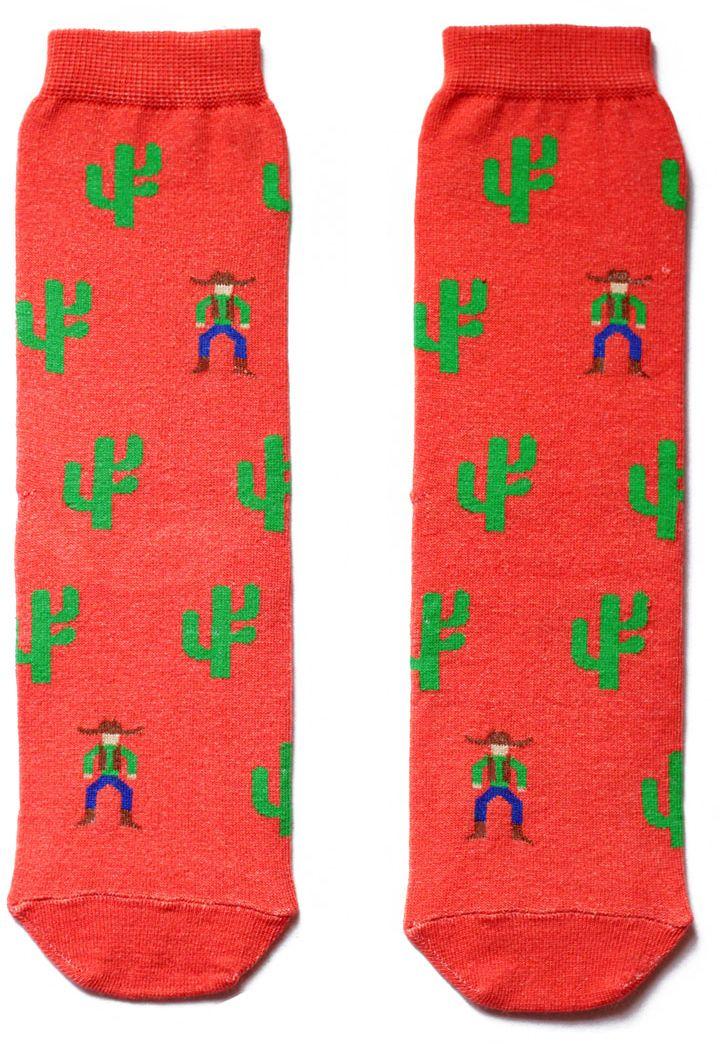 Носкиaw3121Женский носки Big Bang Socks изготовлены из высококачественного хлопка с добавлением полиамидных и эластановых волокон, которые обеспечивают великолепную посадку. Удобная резинка идеально облегает ногу и не пережимает сосуды, а удлиненный паголенок придает более эстетичный вид. Модель оформлена оригинальным принтом.