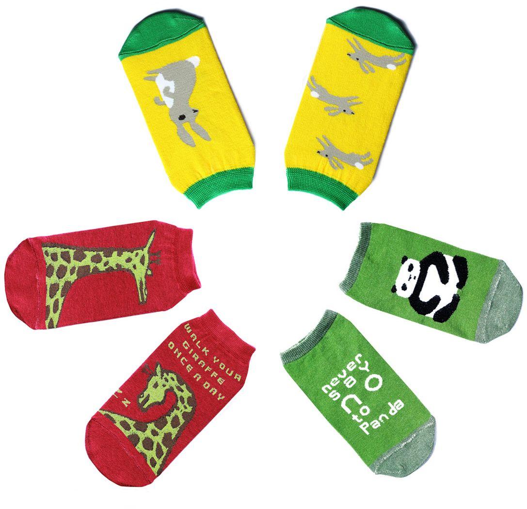 Комплект носковp0322Женский носки Big Bang Socks изготовлены из высококачественного хлопка с добавлением полиамидных и эластановых волокон, которые обеспечивают великолепную посадку. Удобная резинка идеально облегает ногу и не пережимает сосуды, а укороченный паголенок придает более эстетичный вид. В комплект входит 3 пары носков, оформленных изображением зверей.
