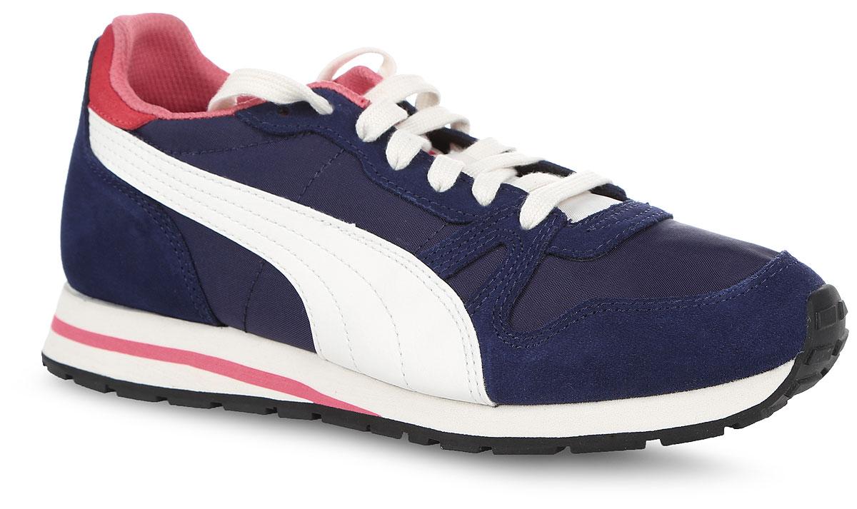 Кроссовки женские Puma Yarra Classic, цвет: синий. 36140406. Размер 3,5 (35)36140406В модели кроссовок Yarra Classic от Puma за основу взят классический дизайн Duplex и функциональные элементы, характерные для беговой обуви 1980-х. Верх изделия - это сочетание нейлона, замши и ткани, но теперь Yarra Classic выглядит весьма актуально, будучи представленной в широкой гамме модных в этом сезоне расцветок. Классическая шнуровка надежно зафиксирует изделие на ноге. Прочная подошва с рифлением гарантирует сцепление с любой поверхностью. Прекрасный выбор для тех, кто ищет стильную обувь. Такие кроссовки отлично подчеркнут ваш спортивный образ.