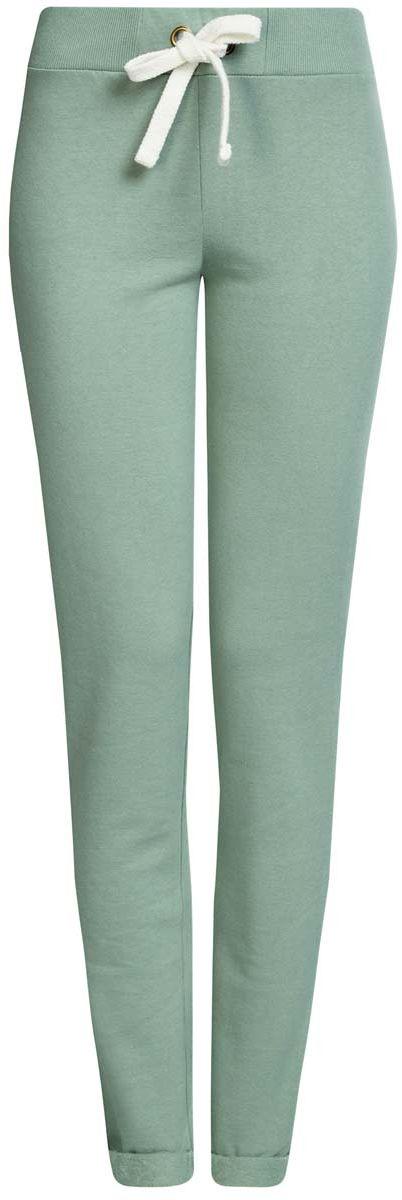 Брюки спортивные16701010B/46980/2300MСпортивные женские брюки oodji Ultra выполнены из натурального хлопка. Изнаночная сторона изделия с мягким начесом. Модель имеет широкую резинку на поясе, объем талии регулируется при помощи шнурка-кулиски. Сзади брюки дополнены имитацией прорезного кармана. Снизу брючины оснащены декоративными отворотами на резинках.