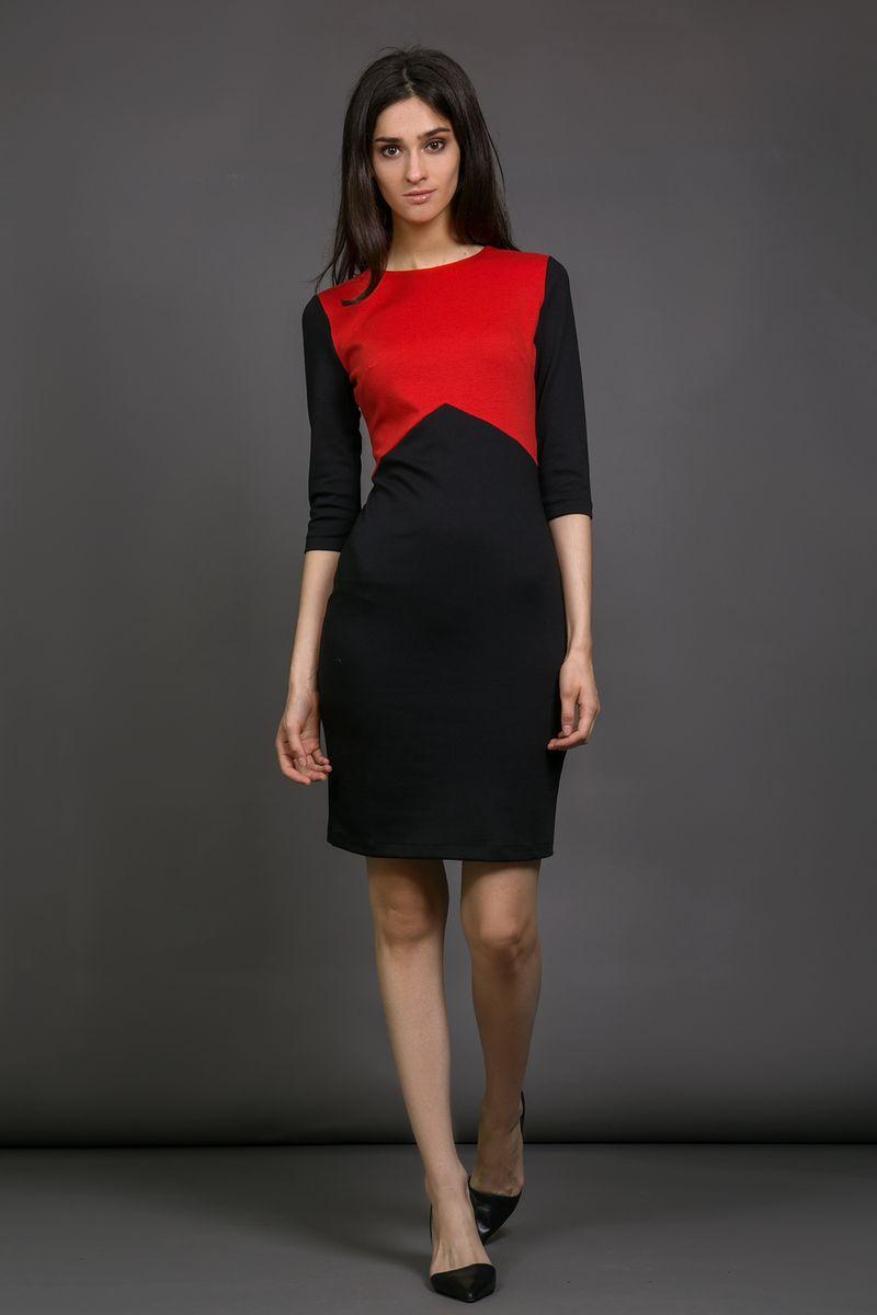 Платье La Via Estelar, цвет: красный, черный. 13925-1. Размер 4813925-1Платье La Via Estelar выполнено из вискозы, полиэстера и лайкры. Модель с круглым вырезом горловины и рукавом 3/4дополнена контрастной вставкой. Платье застегивается сзади на застежку-молнию.