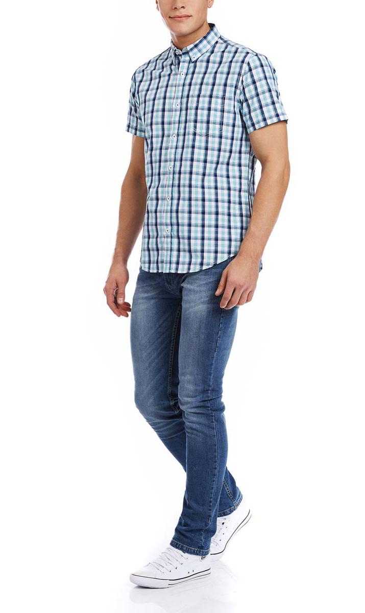 Рубашка3L410081M/34319N/1073CМужская рубашка oodji выполнена из натурального хлопка. Рубашка с короткими рукавами и отложным воротником застегивается на пуговицы спереди. На груди модель дополнена накладным карманом. Оформлено изделие принтом в клетку.