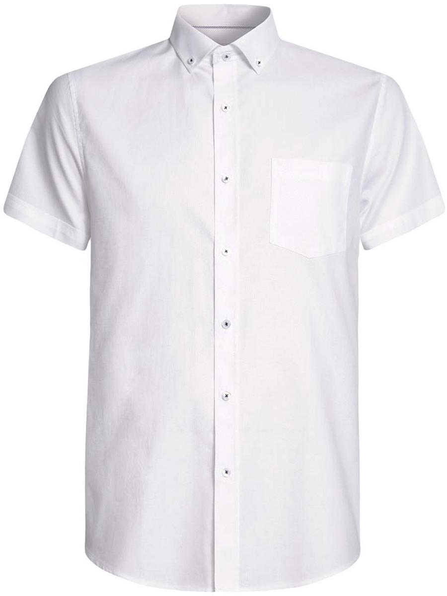 Рубашка3B210007M/34246N/1000NМужская рубашка oodji Basic из натурального хлопка скроена по классическому силуэту и плотно садится по фигуре. Модель с короткими рукавами имеет слева на груди накладной карман. Рубашка застегивается на пуговицы спереди и на воротничке. Две запасные пуговицы подшиты с обратной стороны полы.