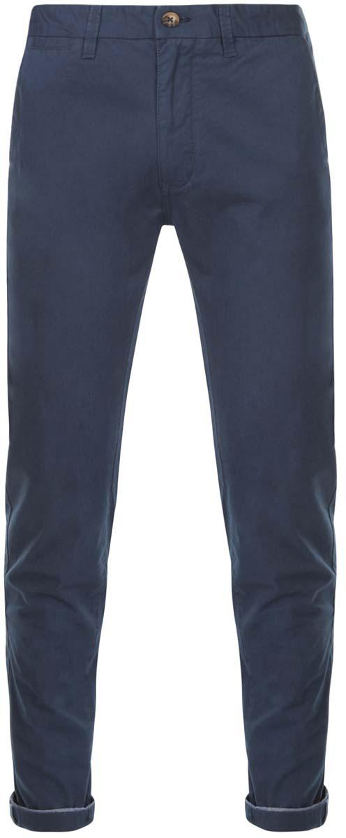 Брюки2L150067M/44264N/1000NМужские брюки oodji Lab выполнены из натурального хлопка. Модель застегивается на пуговицу в поясе и ширинку на молнии. Имеются шлевки для ремня. Спереди расположены два втачных кармана и прорезной кармашек, сзади - два прорезных кармана на пуговицах, а также имитация прорезного кармашка. Изделие сзади оформлено фирменной текстильной нашивкой. При необходимости брюки можно подвернуть.