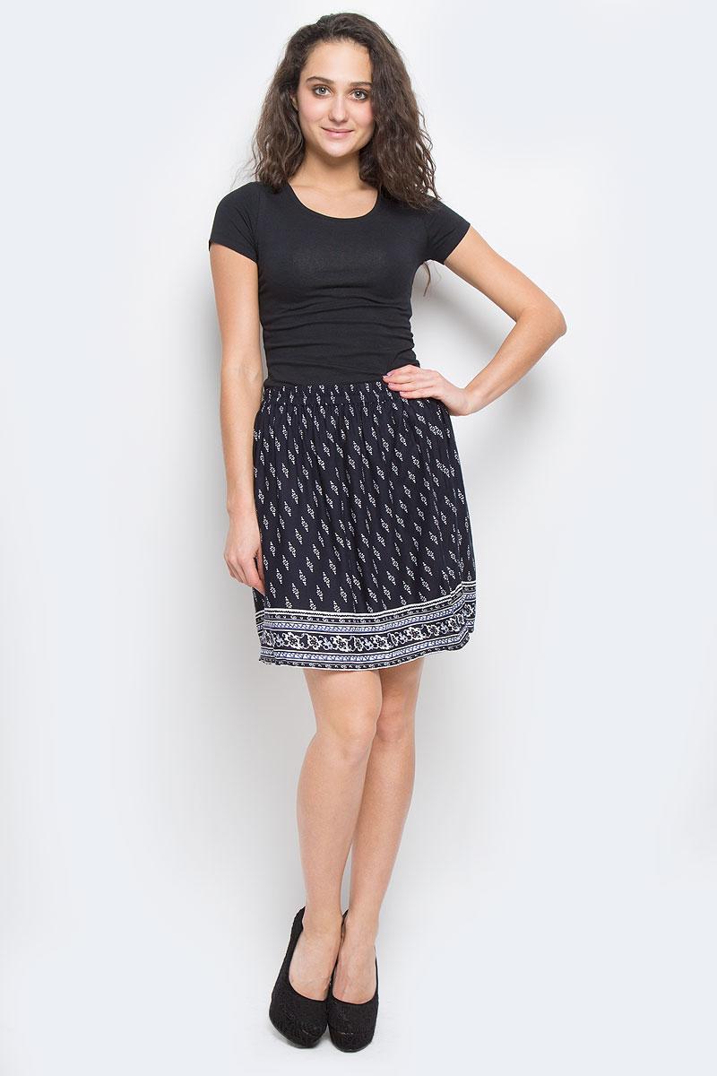 ЮбкаSK-118/805-6234Эффектная юбка Sela Casual подчеркнет вашу женственность и неповторимый стиль. Легкая юбка выполнена из высококачественной 100% вискозы, благодаря чему она великолепно тянется, пропускает воздух и позволяет коже дышать. Благодаря эластичной резинке на талии юбка превосходно сидит и не сковывает движений. Боковые швы дополнены втачными карманами. От линии талии заложены складки, придающие модели пышность. Оформлено изделие мелким цветочным принтом и оригинальным рисунком по подолу. Модная юбка-миди выгодно освежит и разнообразит ваш гардероб. Создайте женственный образ и подчеркните свою яркую индивидуальность!