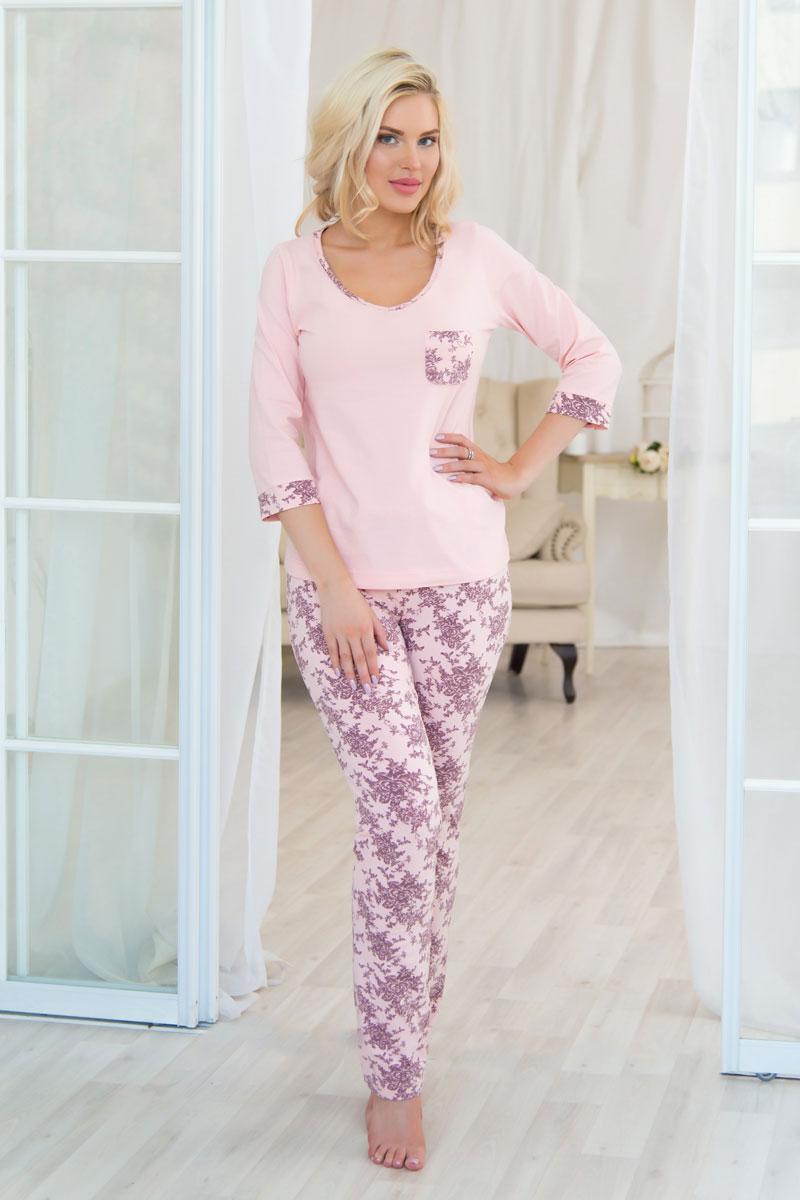 Комплект домашний женский Mia Cara: футболка, брюки, цвет: розовый. AW16-MCUZ-734. Размер 54/56AW16-MCUZ-734Российский бренд Mia cara с итальянским темпераментом воплотил в своей продукции традиционное европейское качество, ультрамодный дизайн и исключительный комфорт. Эксклюзивные авторские принты и набивные рисунки, разработанные дизайнерами из Милана для торговой марки, вызывают восхищение и восторг у самых требовательных женщин, ценящих красоту и удобство! Все полотна, использующиеся для производства одежды, изготовлены из высококачественного хлопка, изделия очень мягкие на ощупь и тактильно приятные. В ткань нежно вплетены специальные волокна эластана, которые позволяют создать прилегающий силуэт и обеспечить комфорт. Вся продукция обладает благородными и стойкими цветами, устойчивыми к воздействиям в процессе использования и стирки.Изделия бесконечно долго имеют безупречный внешний вид, не линяют и не растягиваются. Одежда Mia cara позволит вам всегда выглядеть эффектно и элегантно дома, ежедневно радовать себя и ваших близких.