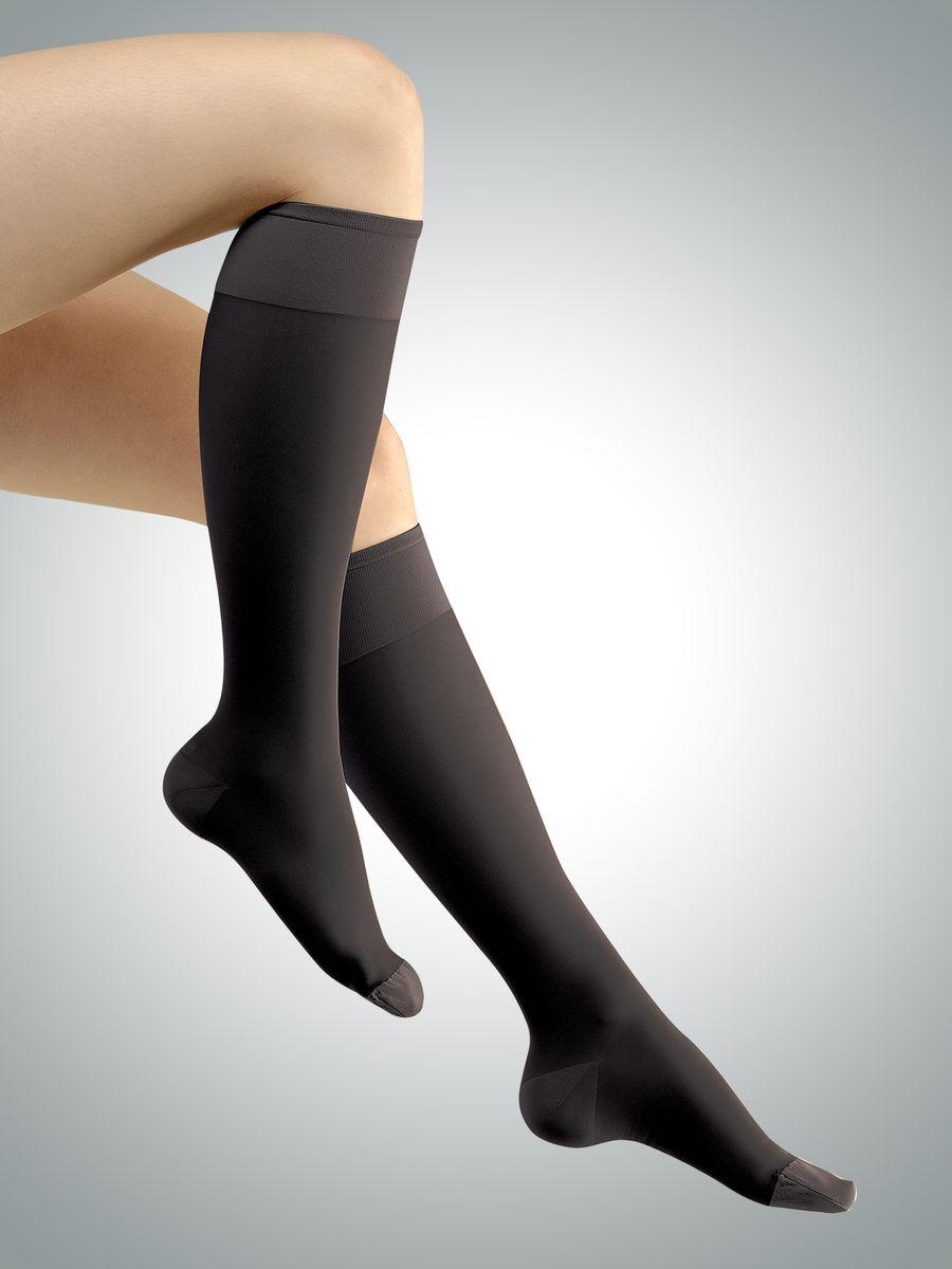Гольфы компрессионные тонкие Avicenum 140, 1 класс компрессии, длинные, цвет: черный. 219-9999_long. Размер S (2)219-9999_longКомпрессионные гольфы Avicenum 140 - тонкие, прозрачные по своей структуре гольфы, которые отлично смотрятся на ноге и в тоже время являются эффективным помощником в борьбе с варикозной болезнью на ранних этапах.Компрессионные гольфы обогащены микрокапсулами с активными компонентами Skintex AHL(Anti -Heavy-Legs), внутри которых содержится регенерирующий сбалансированный комплекс натуральных экстрактов грейпфрута, лимона, мяты и тимьяна, которые благоприятно влияют на кожу ног и дарят приятный аромат. Гольфы имеют выраженный медицинский эффект, высокое эстетическое свойство, идеальны для чувствительных ног.ПОКАЗАНИЯ: · Ретикулярный варикоз· Телеангиэктазии - сосудистые звездочки· Функциональные флебопатии (ночные судороги, отеки, боли, чувство распирания) · Синдром тяжелых ног · Преходящий отек· Длительные путешествия и перелеты. Класс компрессии: I (18-21 мм рт. ст.).