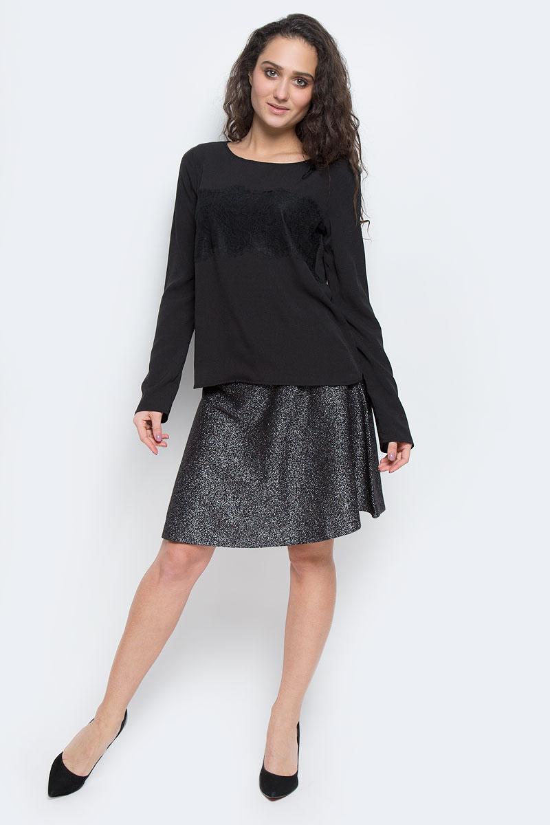 Блузка2032674.00.75_8210Блузка Tom Tailor Contemporary выполнена из полиэстера. Модель с круглым вырезом горловины, стандартными длинными рукавами и полукруглым низом. Спереди изделие оформлено кружевной вставкой.