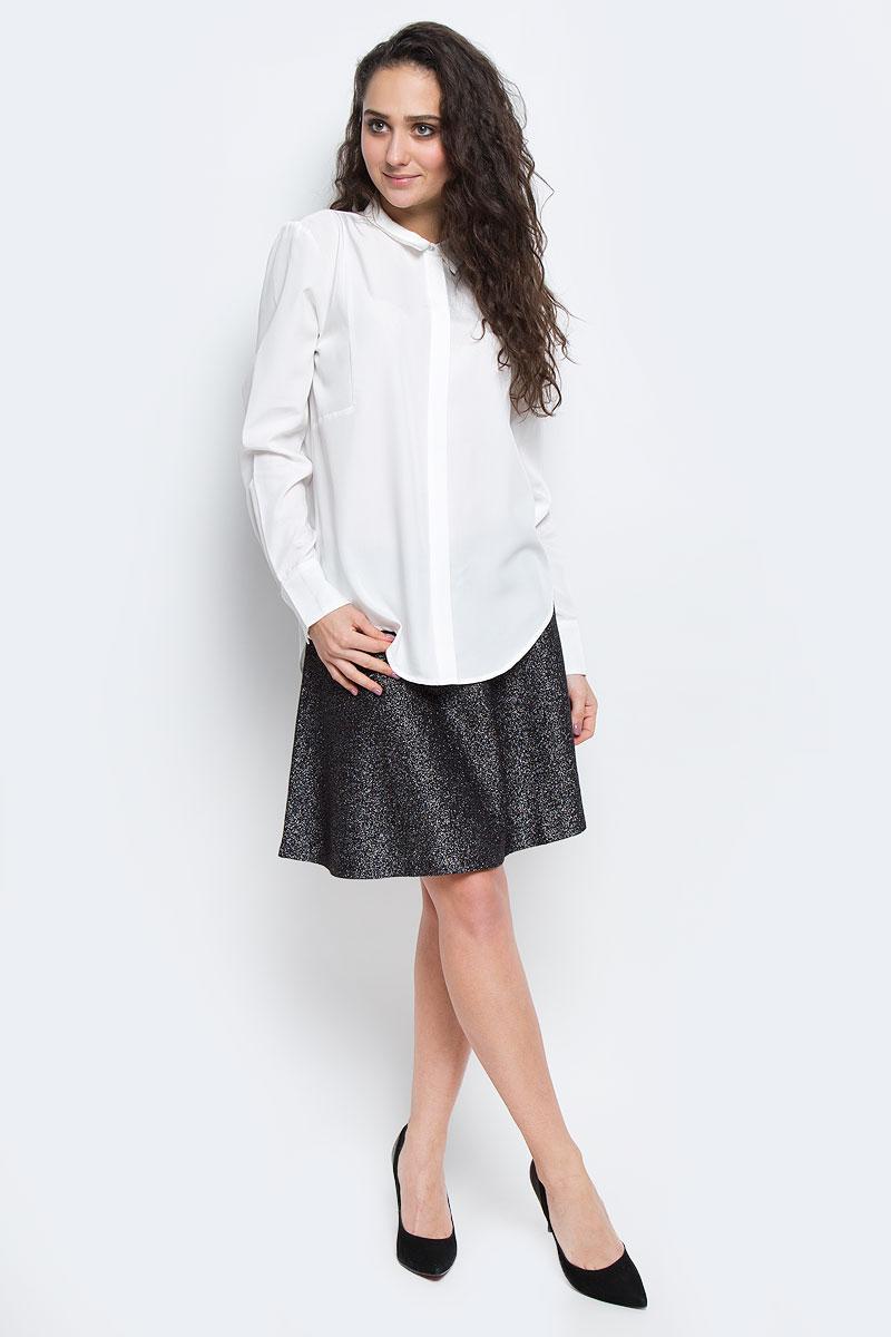 Блузка2032596.00.75_2999Модная женская блузка Tom Tailor Contemporary, изготовленная из вискозы с добавлением полиэстера, приятная на ощупь, не сковывает движений и обеспечивает наибольший комфорт. Модель свободного кроя с отложным воротником и длинными рукавами застегивается на пуговицы, расположенные спереди. Спинка модели удлинена. Манжеты рукавов оснащена застежками-пуговицами.