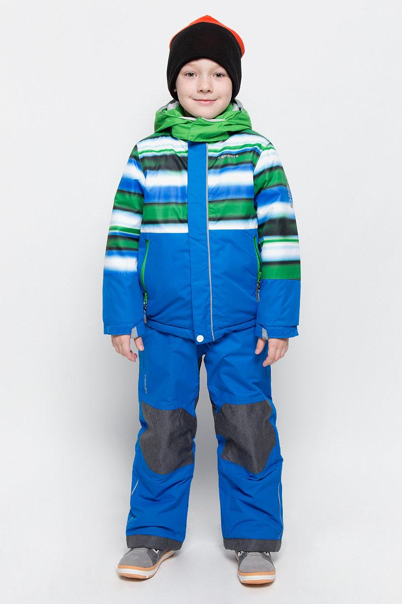 Комплект верхней одежды652103510IV_345Комплект для мальчика Icepeak Jett Kd, состоящий из куртки и полукомбинезона, выполнен из 100% полиэстера. Материал изготовлен при помощи технологии Icemax, которая обеспечит вашему ребенку надежную защиту от ветра и влаги. Все швы куртки и брюк проклеены, для обеспечения дополнительной защиты от непогоды. В качестве подкладки также используется полиэстер. Утеплителем служит материал FinnWad, который обладает высокими теплоизоляционными свойствами. Куртка с воротником-стойкой и съемным капюшоном застегивается на застежку- молнию с защитой для подбородка и ветрозащитной планкой на липучках и кнопках. Капюшон пристегивается к изделию за счет кнопок. Низ изделия дополнен эластичными вставками, а низ рукавов - хлястиками на липучках. Спереди расположены два прорезных кармана на застежках- молниях. Куртка оформлена оригинальным принтом. Полукомбинезон застегивается на пуговицу и имеет ширинку на застежке-молнии. Модель оснащена эластичными наплечными лямками, ...