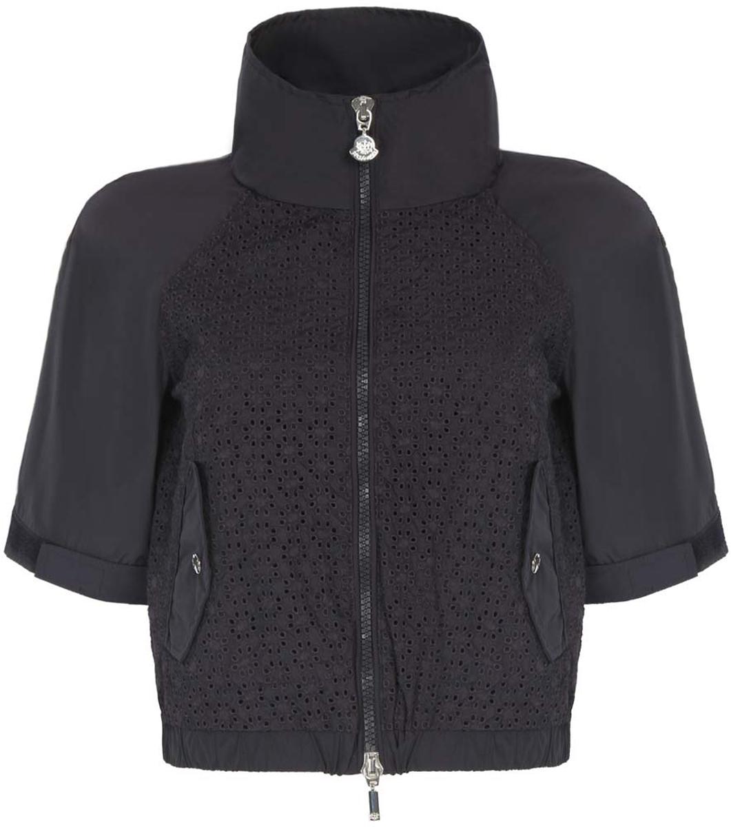 Куртка10307004-1/45462/7900NКуртка женская oodji Ultra исполнена из высококачественного полиэстера - износостойкого не мнущегося быстросохнущего материала и вставками из полиамида. Подкладка так же исполнена из полиамида. Изделие имеет воротник-стойку, короткие рукава, два кармана по бокам от талии на кнопках. Низ изделия дополнен широкой резинкой и липучками. Рукава так же дополнены липучками по низу. Куртка застегивается спереди на молнию.