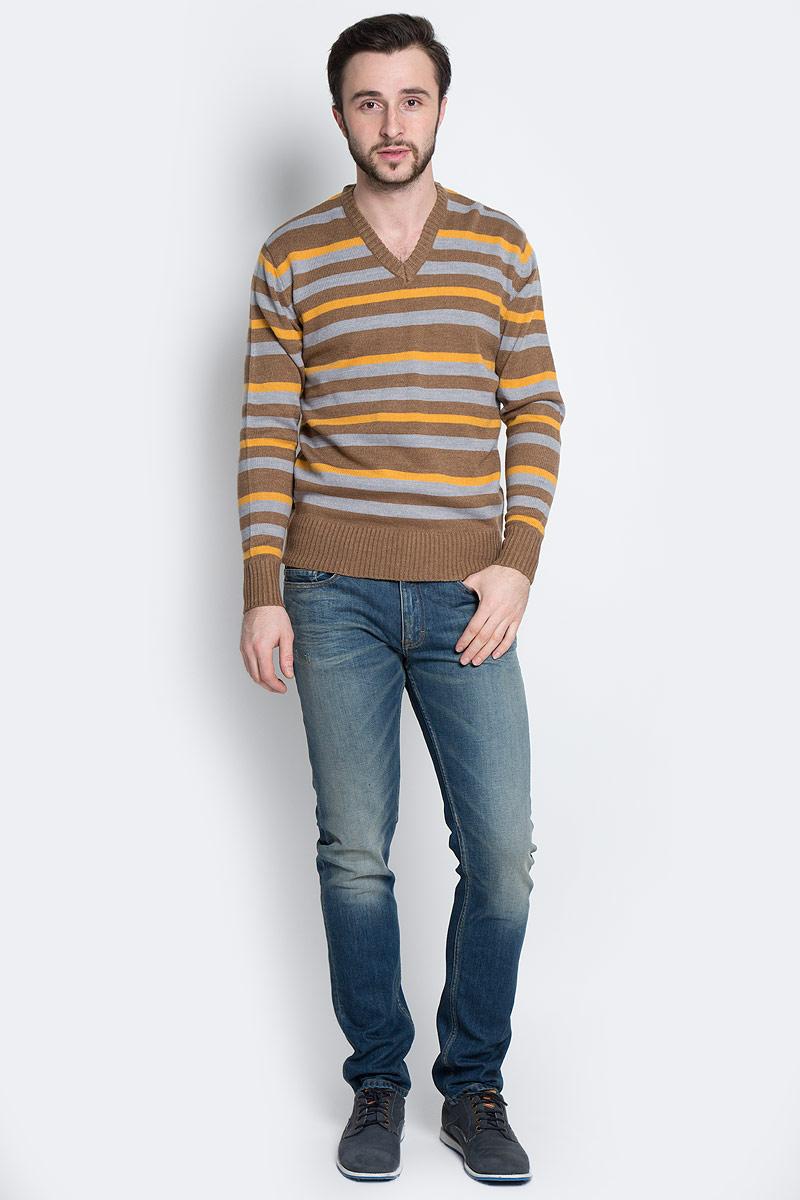 ПуловерА600090211Мужской пуловер D&H Basic изготовлен из мягкой акриловой пряжи. Пуловер с V-образным вырезом горловины и длинными рукавами оформлен полосками. Манжеты и низ изделия связаны резинкой.