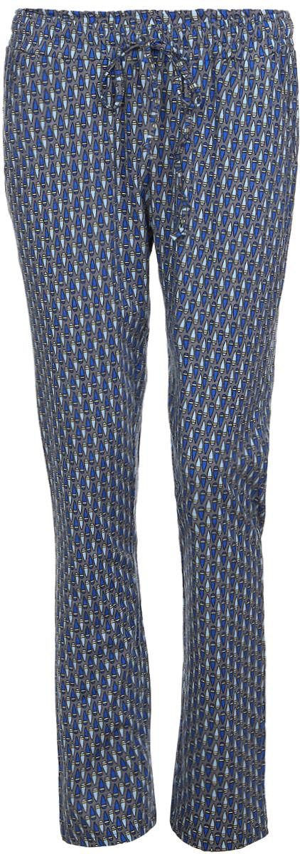 Брюки для дома17150515Женские домашние брюки Violett Капли прямого кроя и стандартной посадки изготовлены из натурального хлопка. Брюки имеют широкую эластичную резинку на поясе, а также дополнены внутренним затягивающимся шнурком-кулиской. Спереди расположены два втачных кармана. Модель оформлена контрастным принтом с изображением капель.