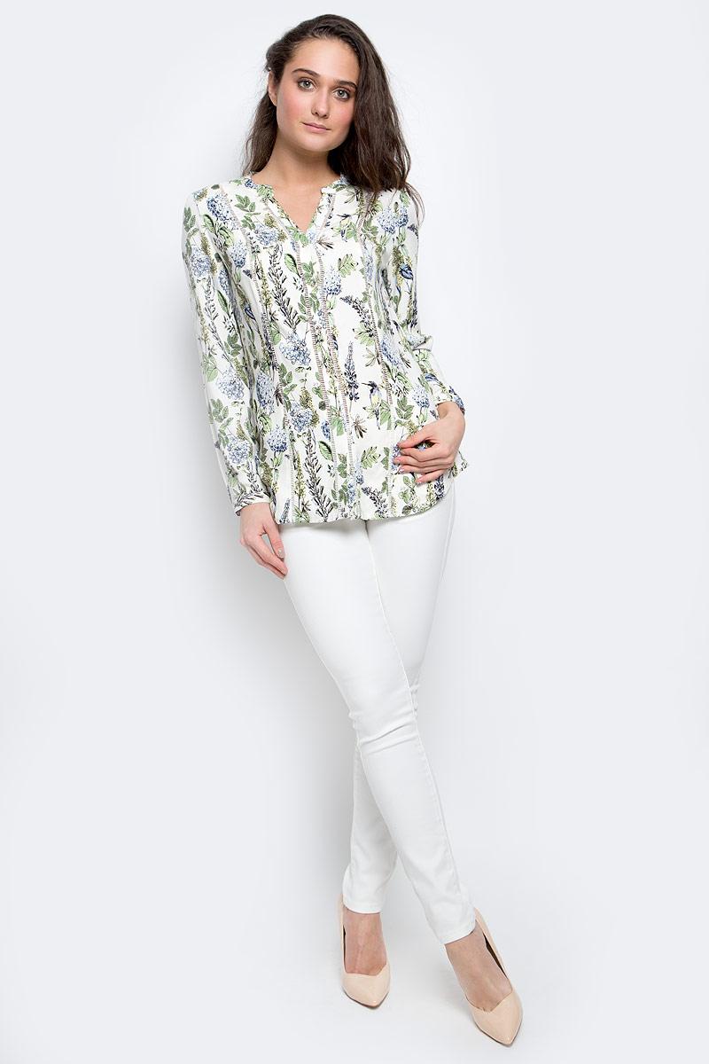 БлузкаB-112/1144-7140Женская блузка Sela Casual выполнена из натуральной вискозы. Блузка с V- образным вырезом горловины и длинными рукавами застегивается по всей длине на пуговицы. Модель имеет приталенный силуэт. Манжеты имеют застежки- пуговицы. Модель оформлена цветочным принтом.