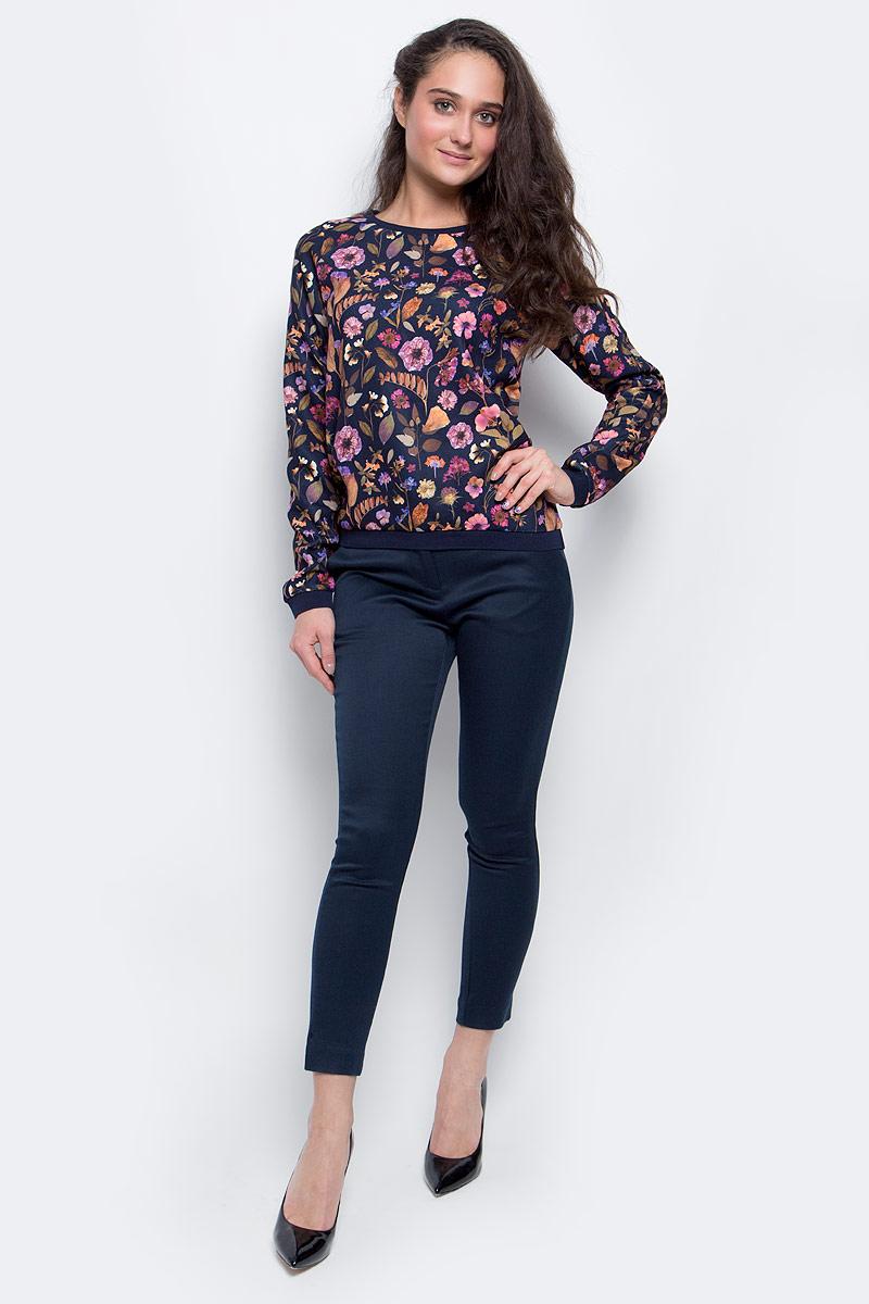 СвитшотSt-113/1055-6373Стильный женский свитшот Sela Casual изготовлен из 100% полиэстера. Модель с круглым вырезом горловины и длинными рукавами-реглан оформлена цветочным принтом.