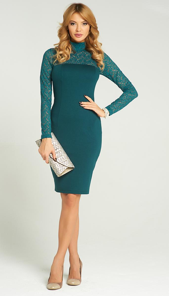 Платье Vittoria Vicci, цвет: темно-изумрудный. VV16-2840. Размер M (46)VV16-2840Стильное платье Vittoria Vicci изготовлено из полиэстера с добавлением вискозы и эластана.Модель-миди с воротником-стойкой и длинными рукавами застегивается на скрытую застежку-молнию, расположенную на застежку-молнию. Верх и рукава модели выполнены из кружевного материала. Сзади изделие дополнено разрезом.