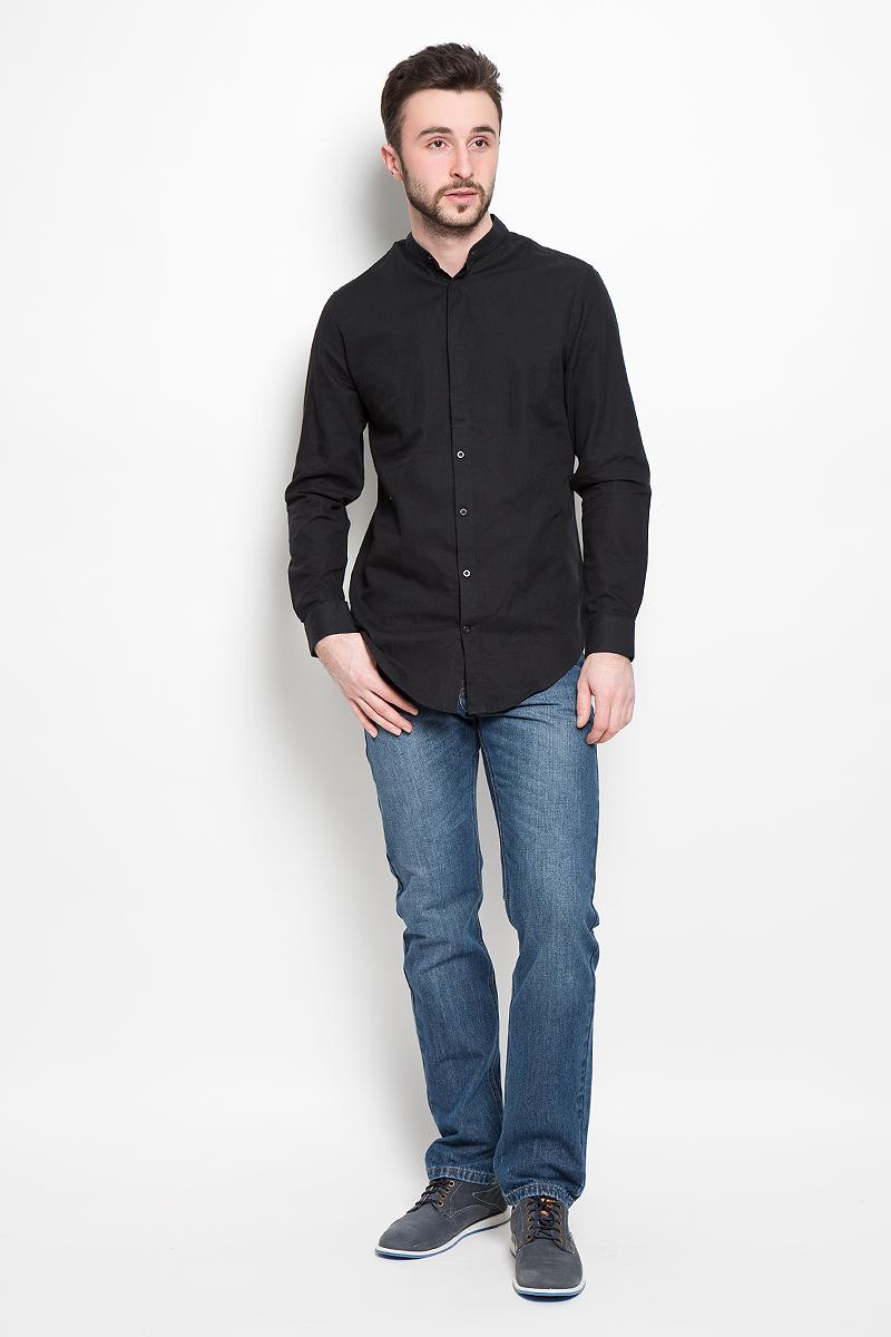 Рубашка16052244_CaviarМужская рубашка Selected Homme выполнена из натурального хлопка. Рубашка с длинными рукавами и круглым вырезом горловины застегивается на пуговицы спереди. Манжеты рукавов также застегиваются на пуговицы.