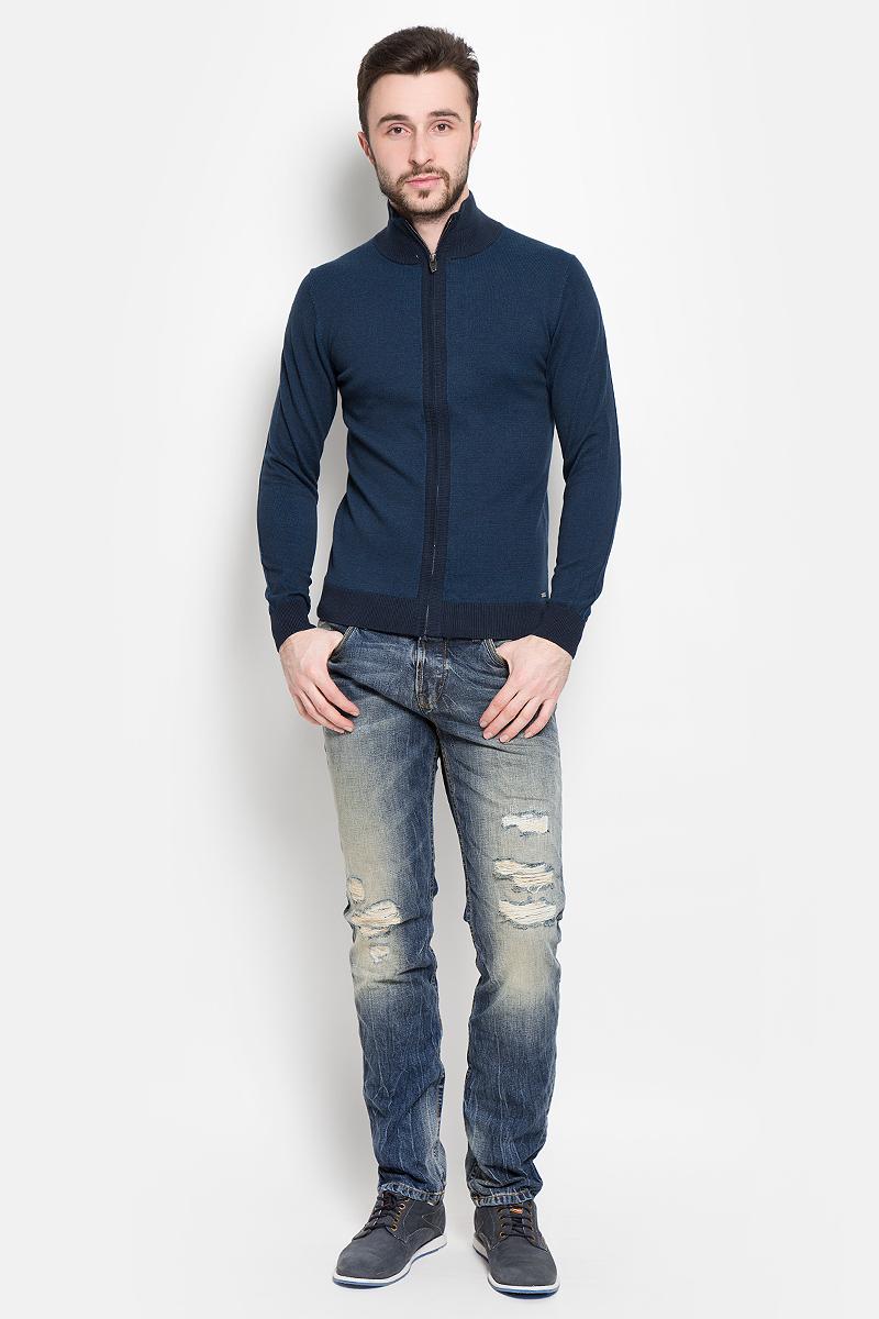 Кофта3021953.00.10_6012Модная мужская кофта Tom Tailor изготовлена из натурального хлопка. Застегивается кофта на застежку-молнию. Воротник, манжеты рукавов и низ изделия связаны резинкой.
